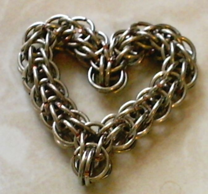 Free chain maille tutorials full persian chain mail heart full persian chain mail heart mozeypictures Image collections