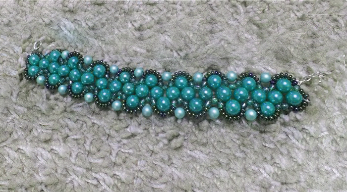 Triangle Weave With Pearls And Seed Beads Free Pattern For Bracelet