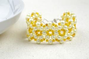 Bead Bracelets from One Basic Pattern